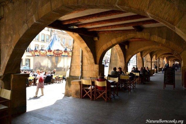 place_saint_louis_arches