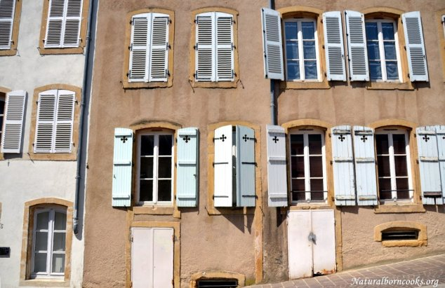 quartier_saint_croix_fenetres