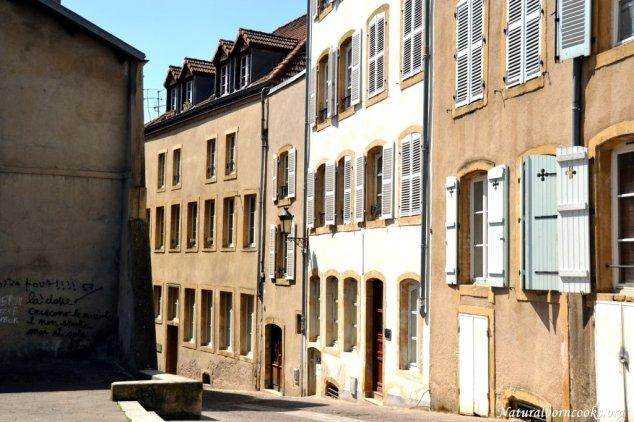 quartier_saint_croix_mur