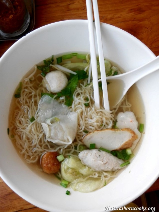 fish_ball_noodles_soup